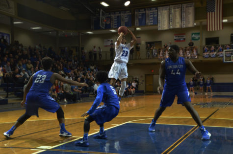 Photo Gallery: Boys Basketball vs Shawnee Heights Jan 12